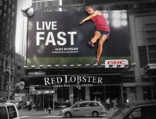 NYのタイムズ・スクエアで見かけたすごい発想の看板_b0007805_059065.jpg