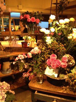 大好きな青山のお花屋さんヾ(@⌒ー⌒@)ノ_a0213806_1762771.jpg