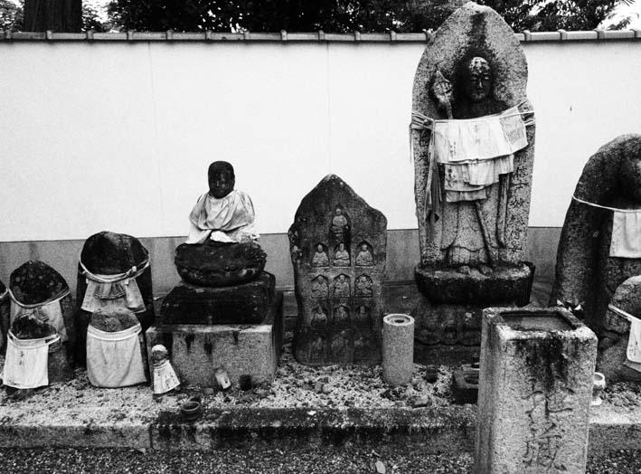 上善寺の石仏-Ⅳ                    京都市・北区_d0149245_2229342.jpg