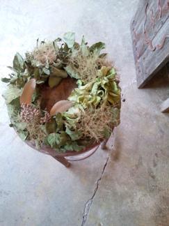 dry wreath_b0209477_1504636.jpg