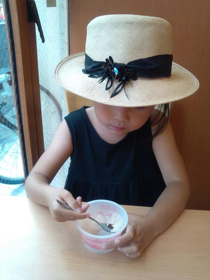 shopping with child_b0195783_1012443.jpg