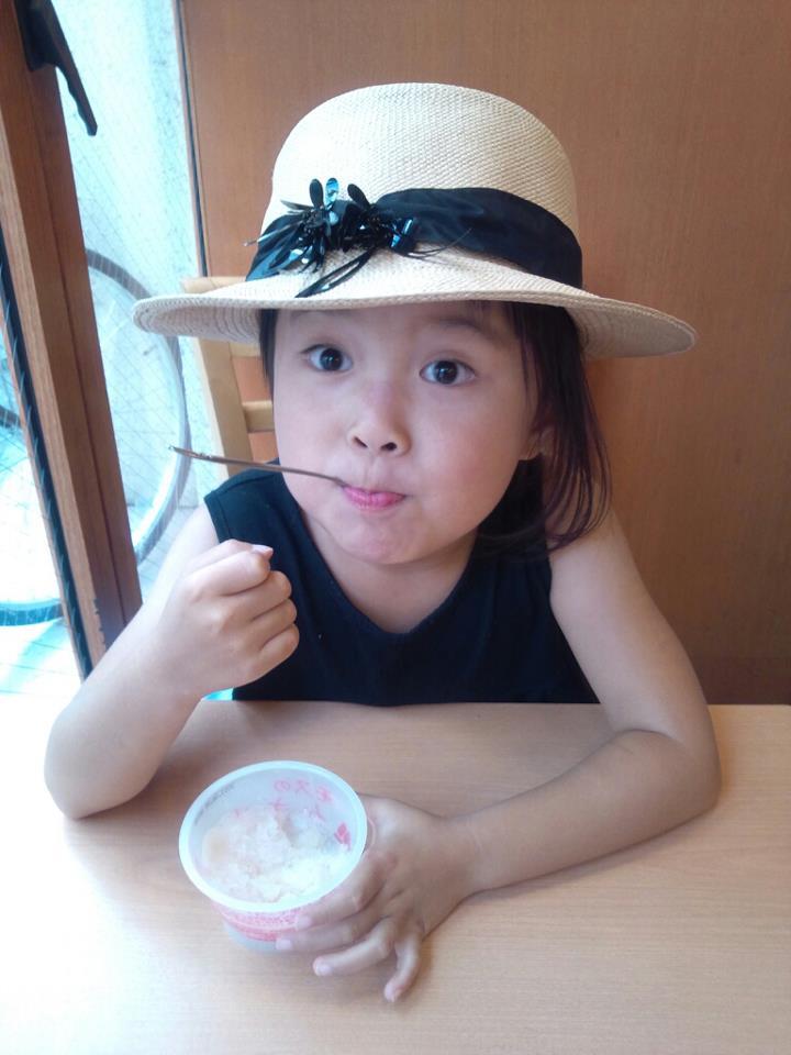 shopping with child_b0195783_10124579.jpg