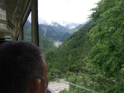 日本の屋根へ_f0232994_1344872.jpg