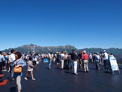 日本の屋根へ_f0232994_1494854.jpg