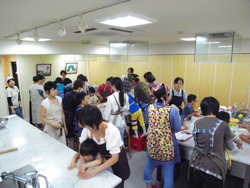 初めてのパン教室。_c0116714_1818498.jpg