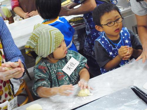 初めてのパン教室。_c0116714_1837856.jpg