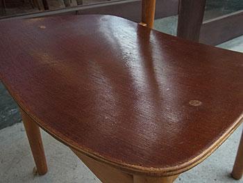 school chair & お知らせ_c0139773_18561426.jpg