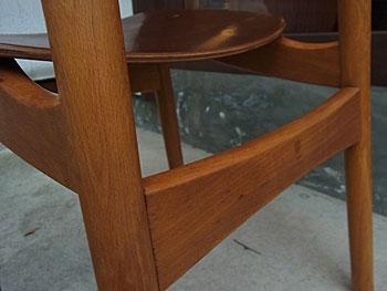school chair & お知らせ_c0139773_18562829.jpg