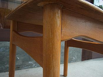 school chair & お知らせ_c0139773_18563826.jpg
