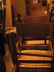 school chair & お知らせ_c0139773_1913377.jpg