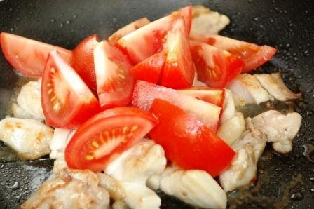 鶏のトマトキムチ炒め_d0104926_631528.jpg