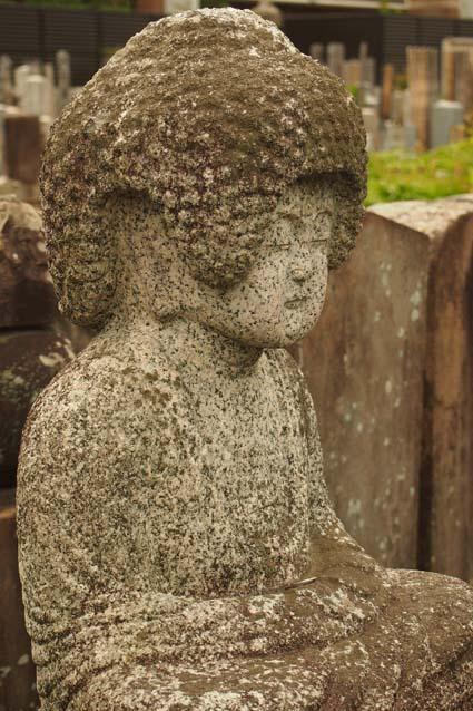 知恩寺の石仏-Ⅱ                   京都市・左京区_d0149245_2362123.jpg
