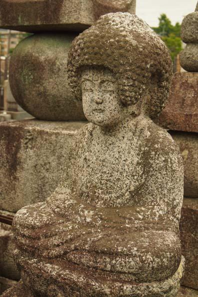 知恩寺の石仏-Ⅱ                   京都市・左京区_d0149245_2363522.jpg