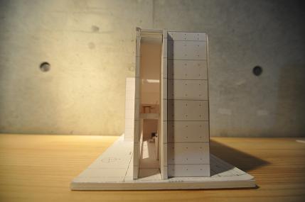 個展  「狭小住宅の可能性」 6/30日、7月1日の報告(3)_e0028417_2033696.jpg