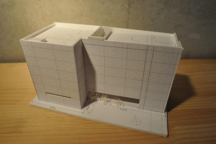 個展  「狭小住宅の可能性」 6/30日、7月1日の報告(3)_e0028417_2038190.jpg