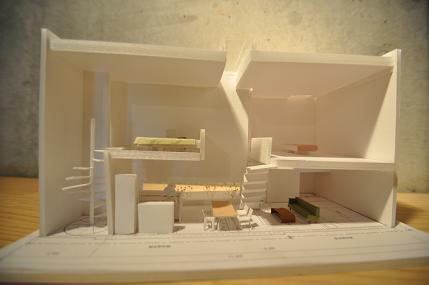 個展  「狭小住宅の可能性」 6/30日、7月1日の報告(3)_e0028417_20401253.jpg