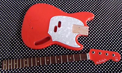 「Fiesta RedのGastank Bass」の塗装が完了〜しました!_e0053731_18495413.jpg