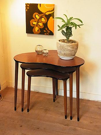 nesting table & お知らせ_c0139773_17112273.jpg