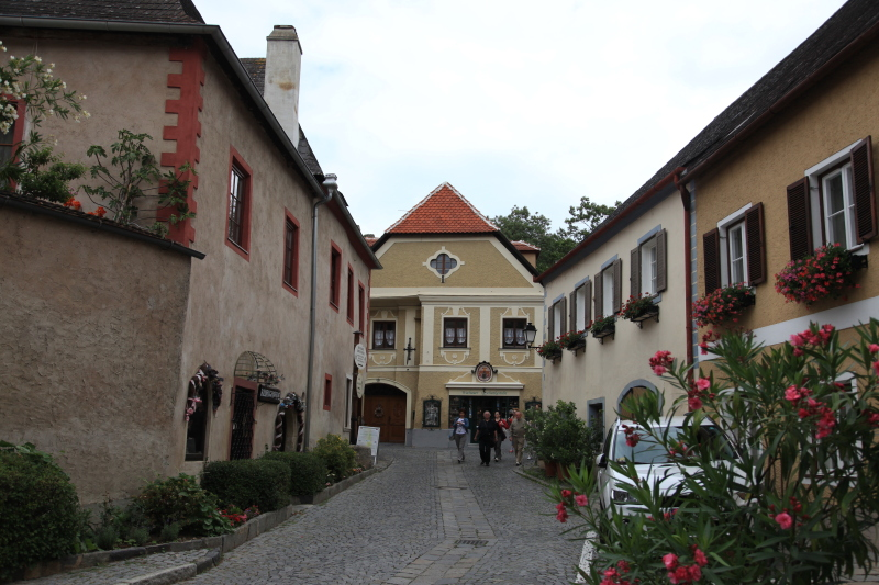 中世の町並みデュルンシュタイン_c0187779_8181959.jpg