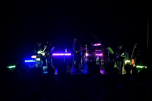 Aimer 200人の前でnew single収録の全3曲を熱唱!_e0025035_1232383.jpg