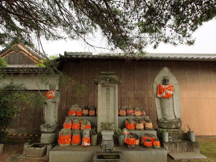 知恩寺の石仏-Ⅴ                   京都市・左京区_d0149245_22405720.jpg
