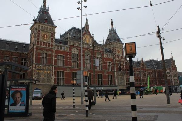 東京駅とアムステルダム駅(*^^)v_a0213806_11234335.jpg