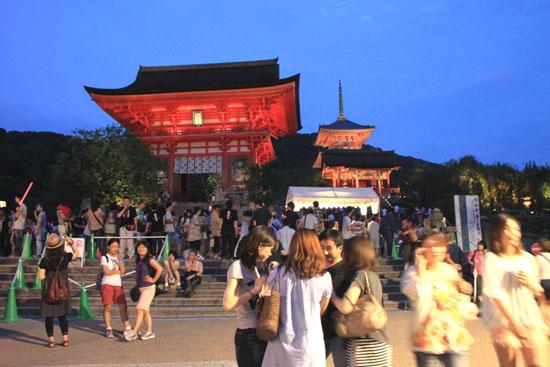 清水寺 千日詣り_e0048413_2304757.jpg