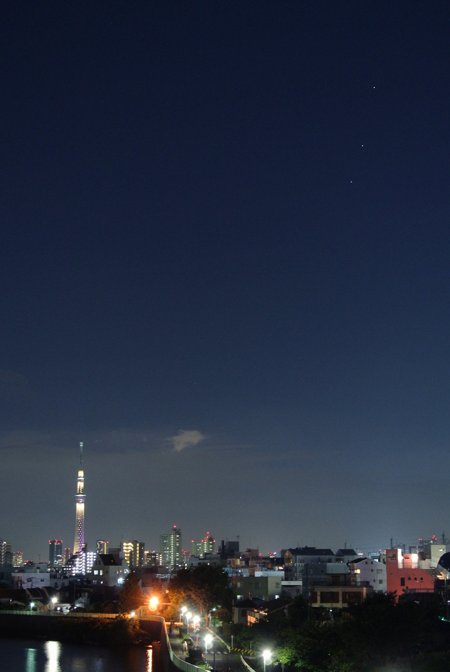 並んだ土星・火星・スピカ、そして東京スカイツリー_e0089232_2011632.jpg