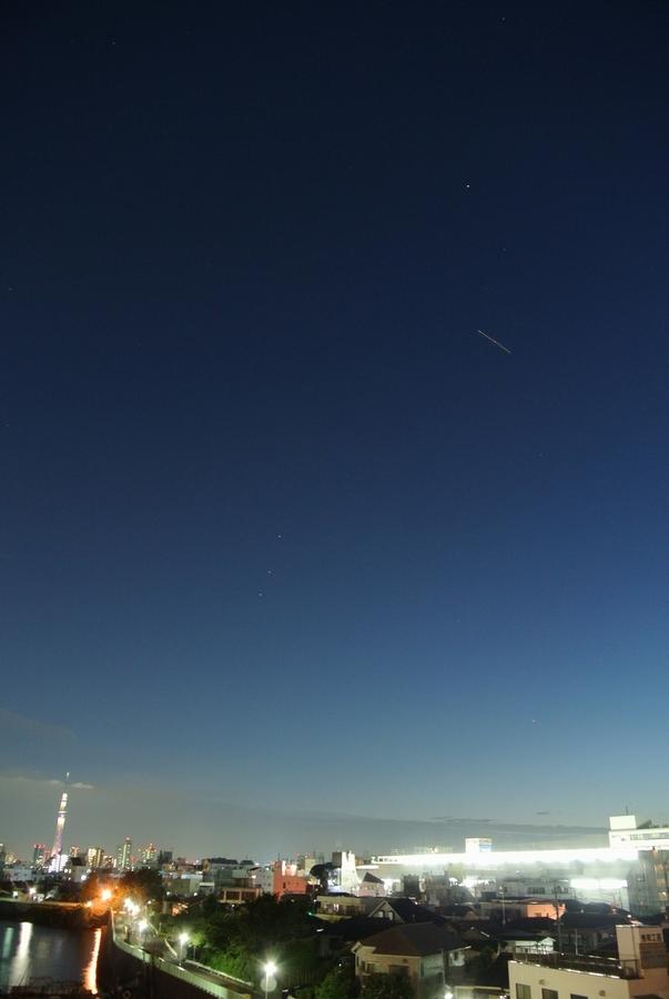 並んだ土星・火星・スピカ、そして東京スカイツリー_e0089232_20132731.jpg
