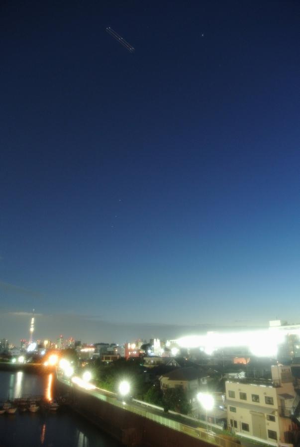 並んだ土星・火星・スピカ、そして東京スカイツリー_e0089232_20152274.jpg