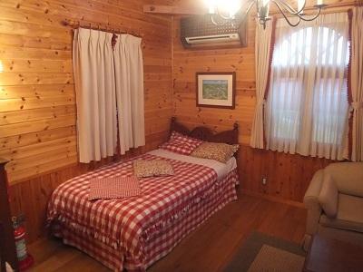 シルバニアファミリー「森の小さなお家」_d0044093_22524467.jpg