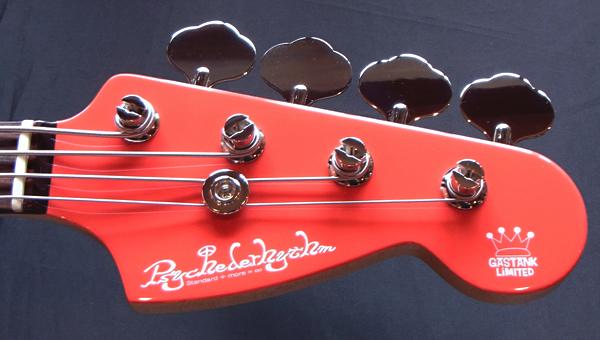 「Fiesta RedのGastank Bass 1本目」が完成しました!_e0053731_1817922.jpg