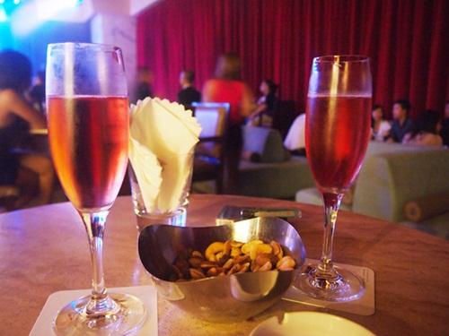 マカオおすすめポルトガル料理レストラン☆ワイン1杯の幸せ_e0182138_22543987.jpg