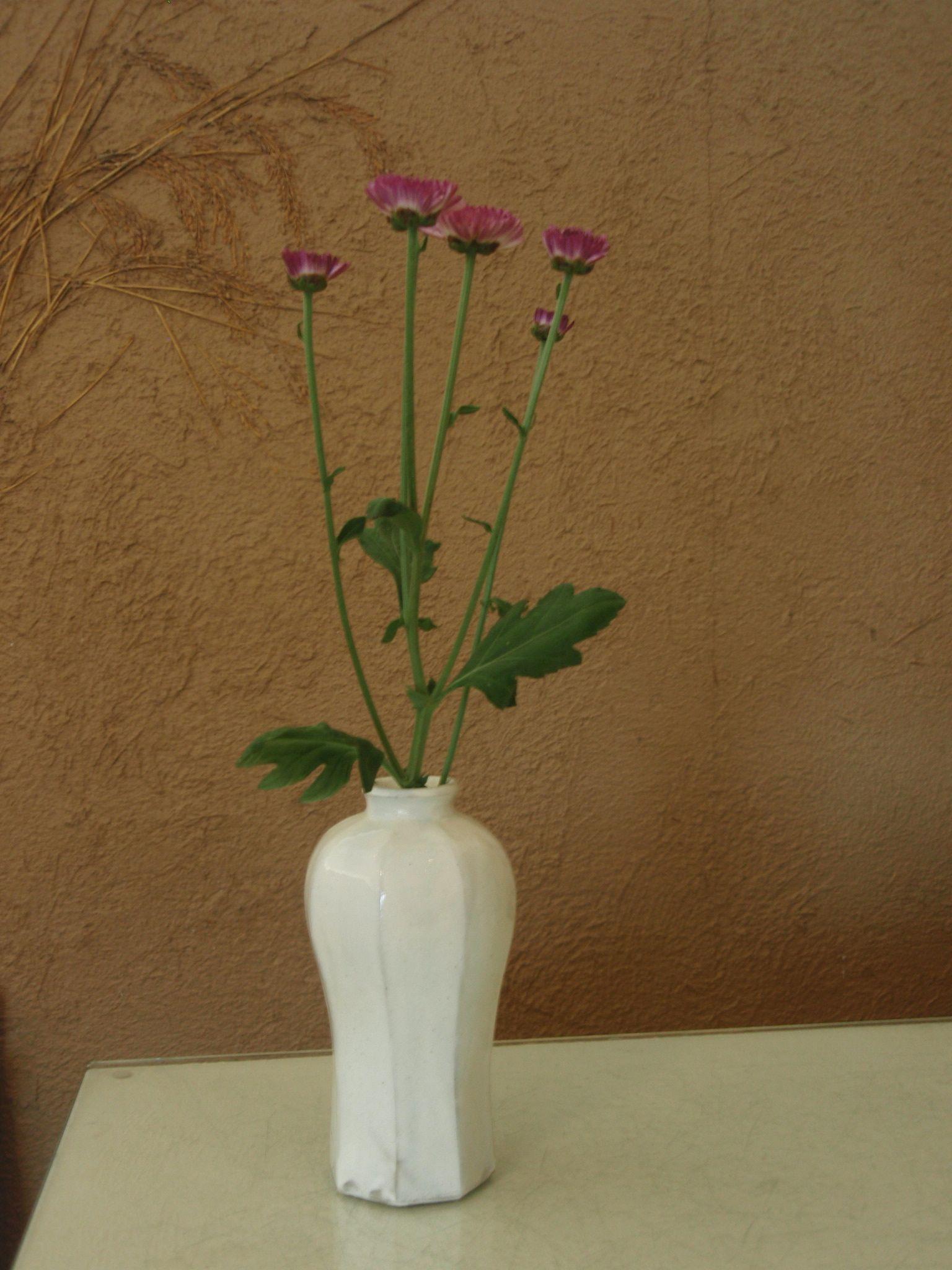 藤田佳三さんの面取り花器と_b0132442_14155970.jpg