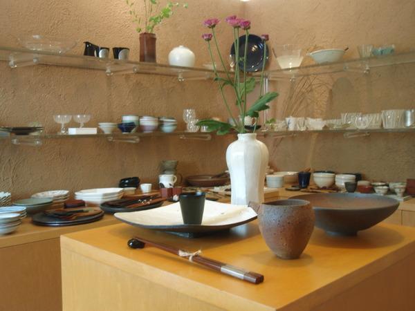 藤田佳三さんの面取り花器と_b0132442_1417826.jpg