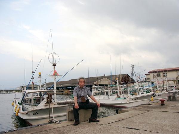 曇り空ながら歩いて行った、田辺の江川もいい港。_a0086270_9402015.jpg