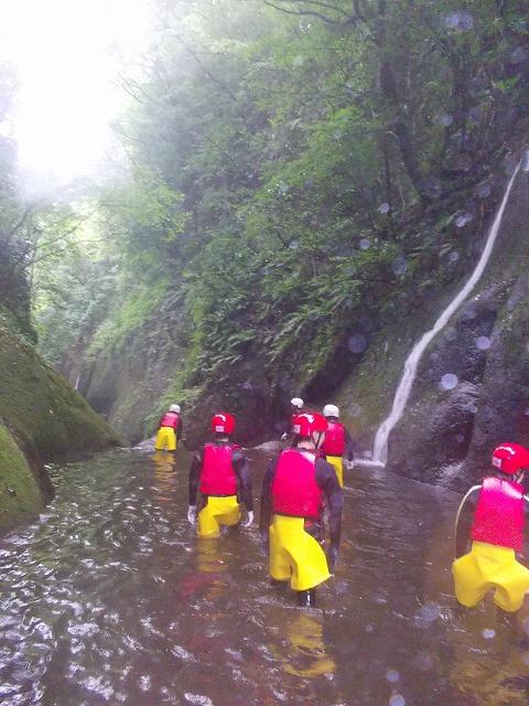 2012由布川渓谷の15m滝下降コース_f0230770_10260.jpg