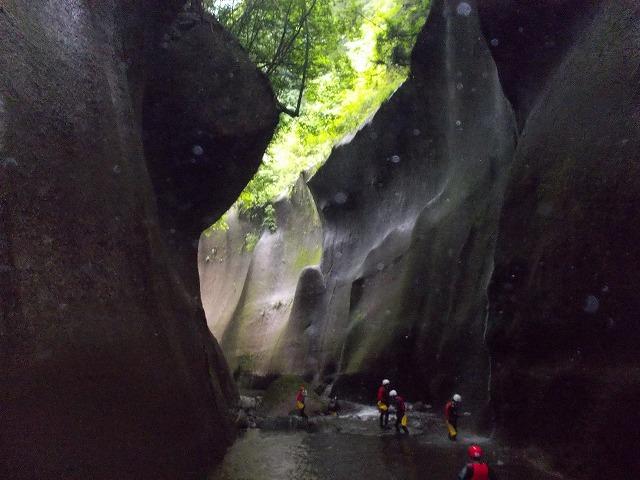 2012由布川渓谷の15m滝下降コース_f0230770_1133387.jpg