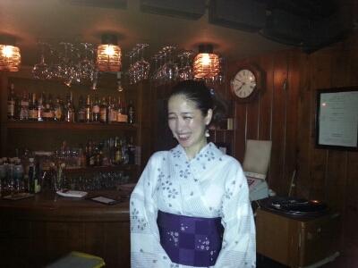 IZUMIでした〜(^^♪明けて本日17日は六本木チャーリーズクラブです。_f0178313_1394079.jpg