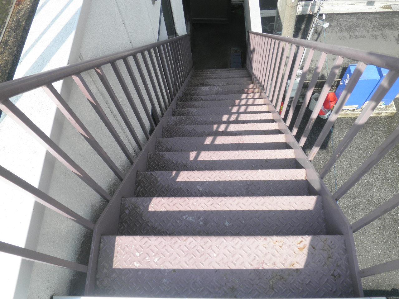 外部階段塗装②-3_e0164638_1451955.jpg