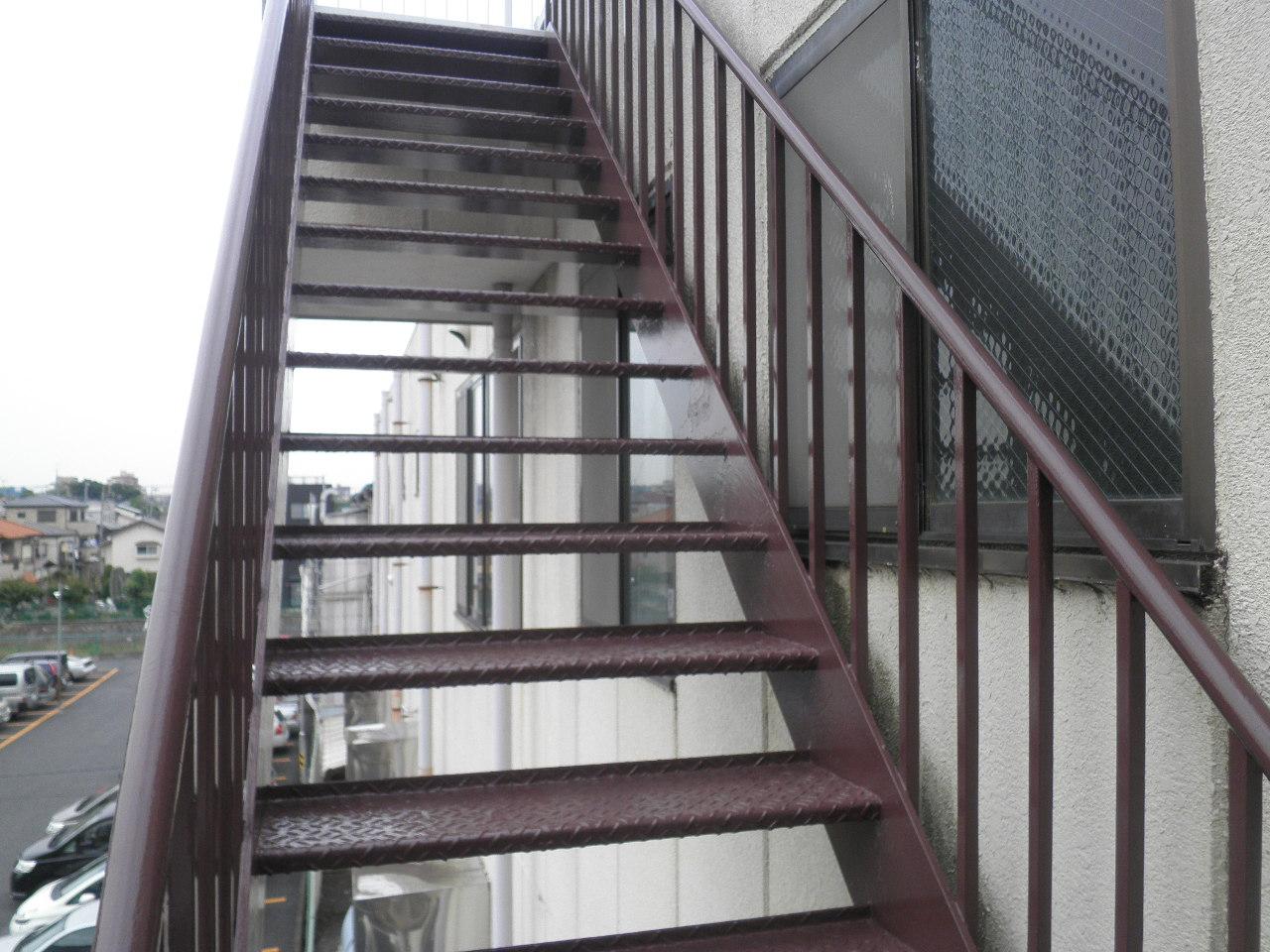 外部階段塗装②-3_e0164638_1452215.jpg