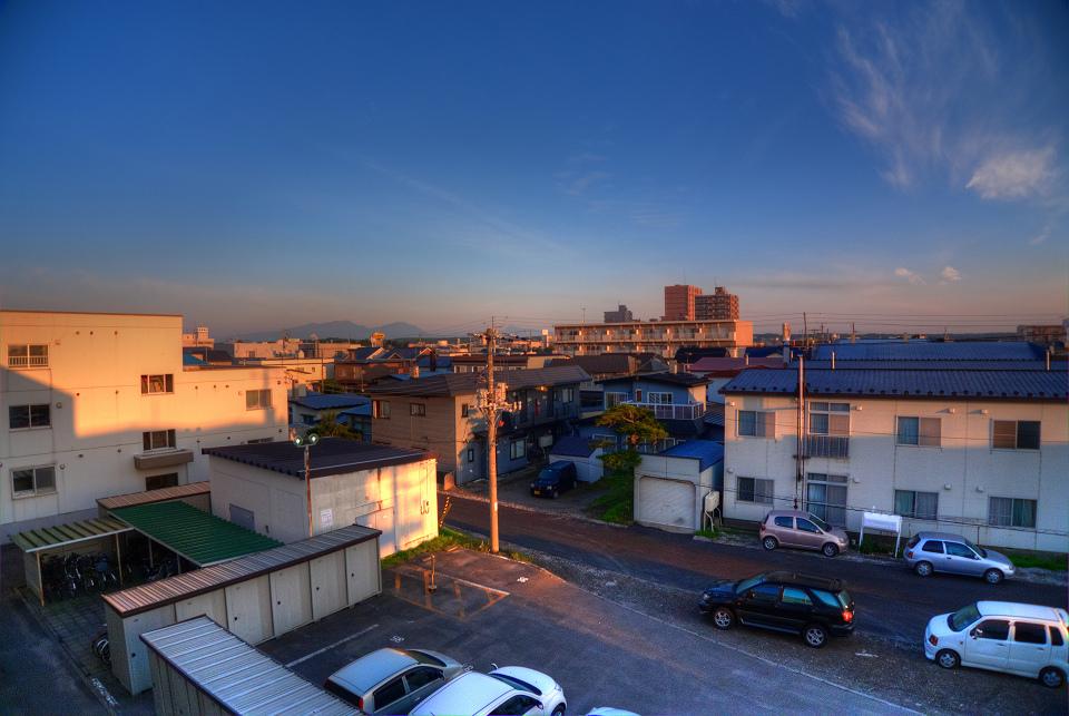 朝日が街をなめるよう_a0160581_7585652.jpg