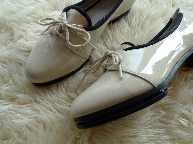 JASON WU TERESE BROGUES SHOES PATENT IVORY 再入荷_f0111683_15331274.jpg