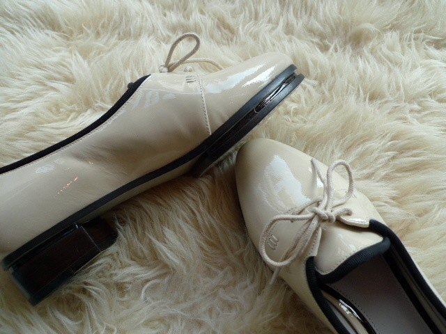 JASON WU TERESE BROGUES SHOES PATENT IVORY 再入荷_f0111683_15331684.jpg