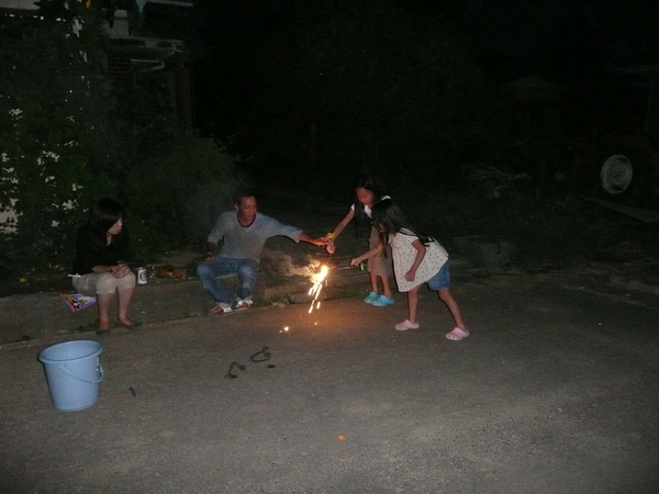 8月18日    盆と花火_d0249595_9475977.jpg