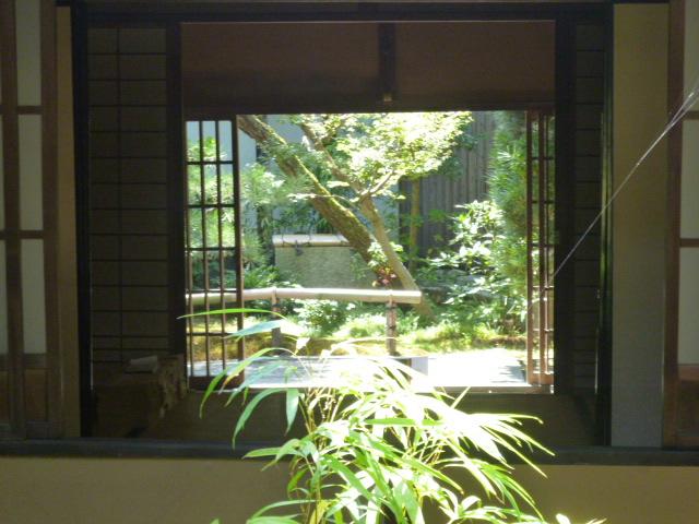 8月の京都は・・・喫茶店でだらだら過ごす_b0210699_0352238.jpg