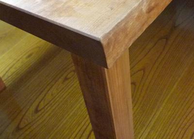 ダイニングテーブルチェリーが完成_d0126473_13345598.jpg