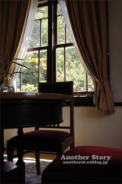 窓のある情景     vol.22_a0238574_23595015.jpg