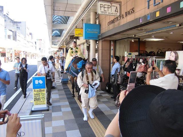 本物の山伏の皆さんが吉原宿に到着 「富士峰修行」_f0141310_8175740.jpg