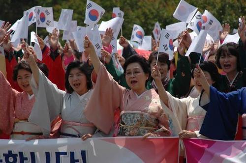 """日本は世界の債権国!:反日の国から借金の""""取り立て""""あるのみ!?_e0171614_21235994.jpg"""